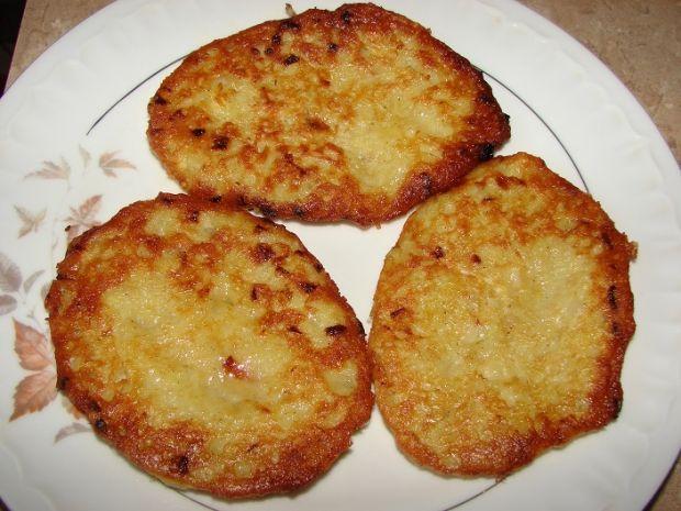 Przepis  placki z cebulą i czosnkiem przepis