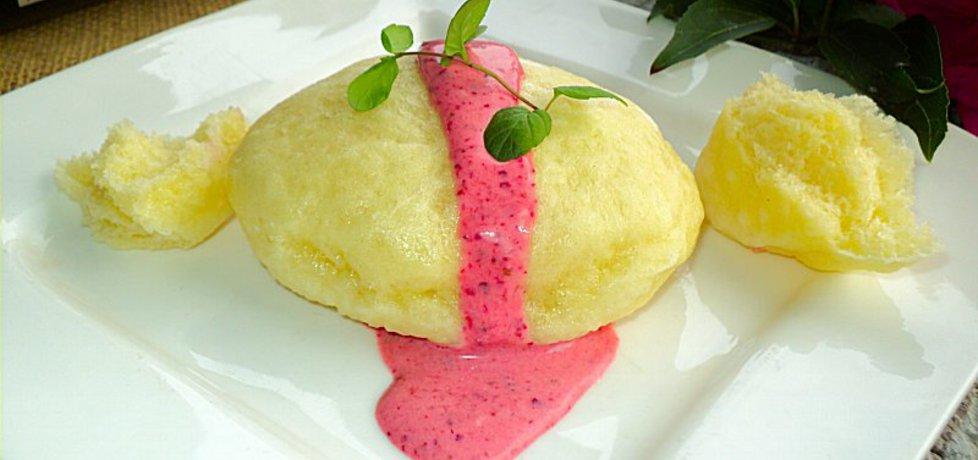 Drożdżowe pampuchy z sosem owocowym (autor: anna133 ...