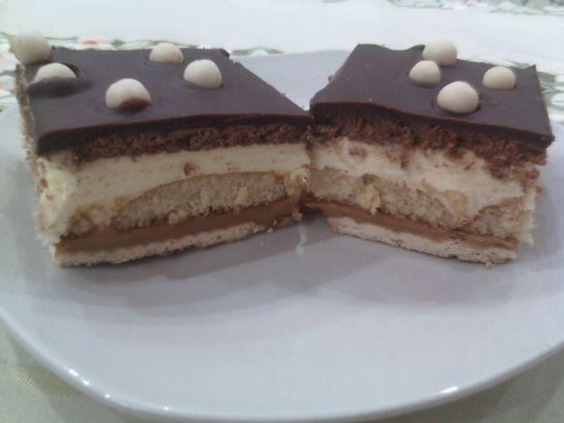 Przepis  budyniowiec z polewą czekoladową przepis