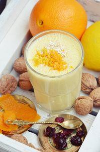 Koktajl pomarańczowy z płatkami owsianymi
