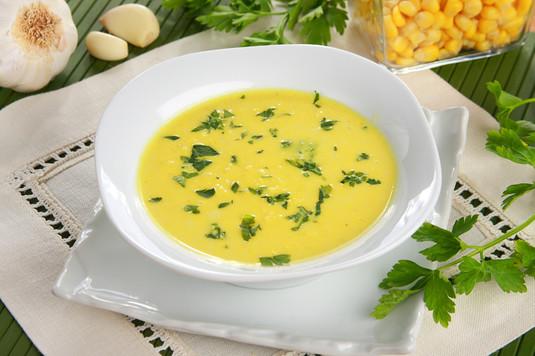 Zupa z kukurydzy z czosnkiem