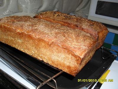 Przepyszny domowy super prosty chleb