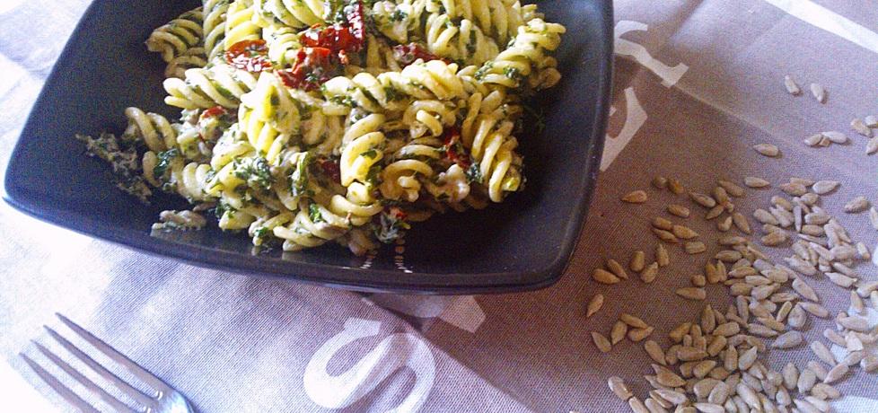 Makaron ze szpinakiem i suszonymi pomidorami (autor: justynkag ...