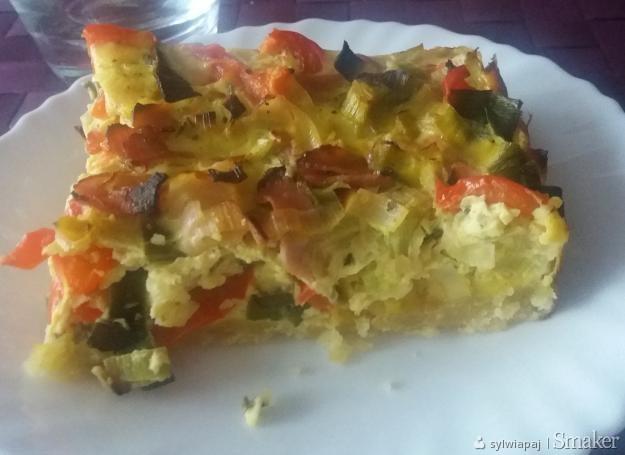Tarta z szynką i warzywami