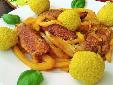Potrawka curry z indykiem, warzywami i kuleczkami jaglanymi ...