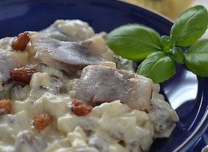 Śledzie z rodzynkami w curry  prosty przepis i składniki