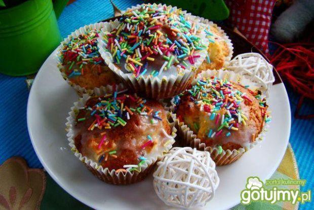 Przepis  muffiny z jabłkiem i posypką przepis