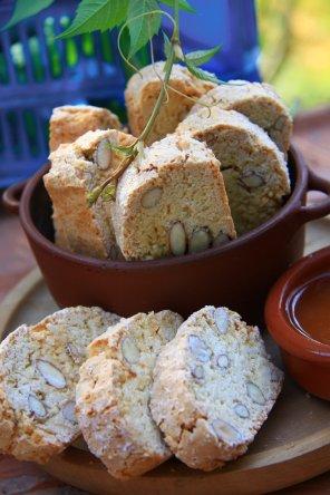 Włoskie ciastka cantucci  prosty przepis i składniki