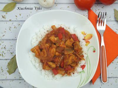 Ryż z warzywami i kurczakiem w sosie pomidorowym (z piekarnika ...