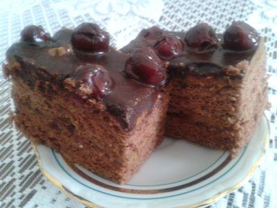 Ciasto czekoladowe z wiśniami z likieru wiśniowego ...