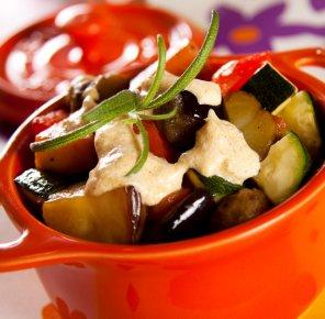 Pieczone ziemniaki z warzywami