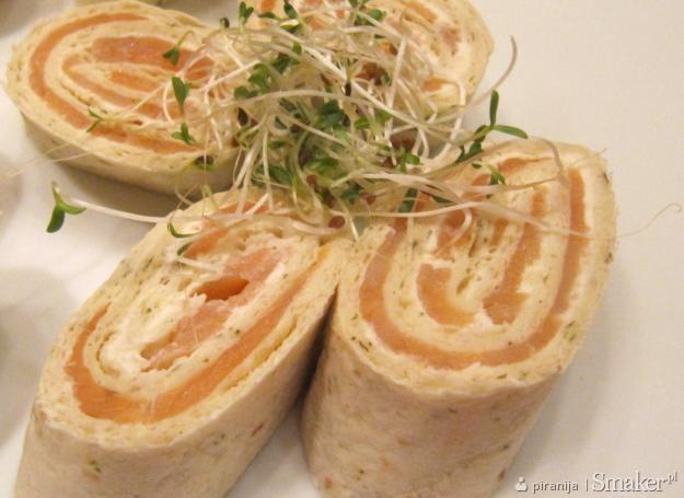 Ruloniki z tortilli i łososia pyszne !