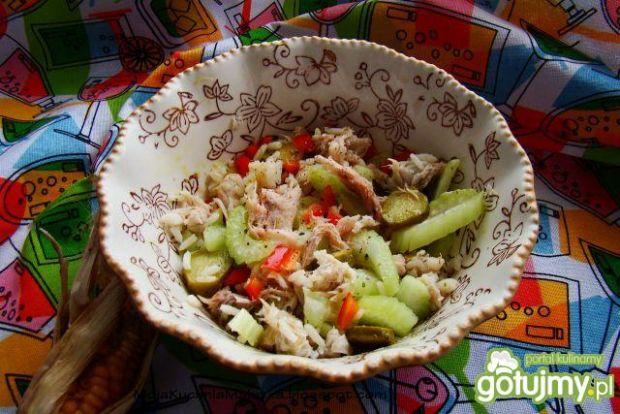 Przepis  sałatka ryżowa z makrelą i selerem przepis