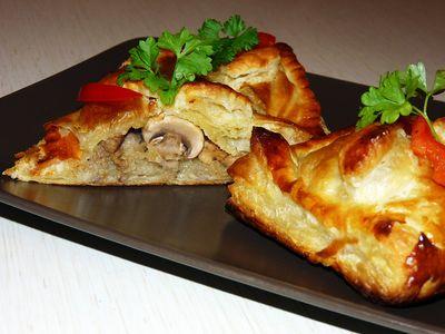 Mięsne paszteciki z kapustą i pieczarkami