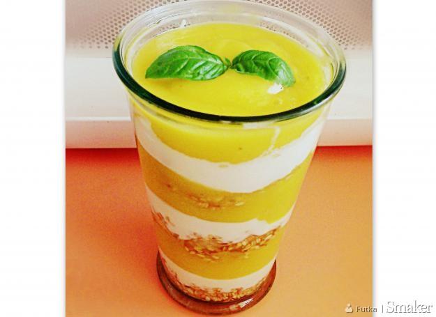 Zdrowy deser jogurtowy z mango i bananem