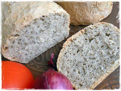 Chleb pszenny ziołowy na zakwasie