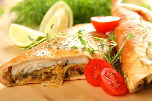 Kulebiak z rybą i kiszoną kapustą