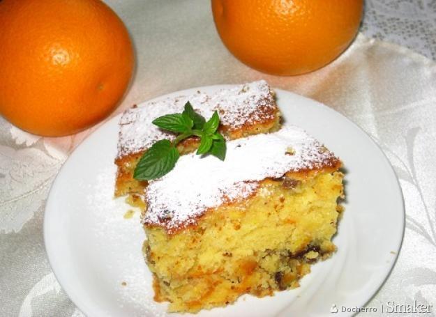 Ciasto ucierane mocno pomarańczowe z dodatkiem kawałków ...