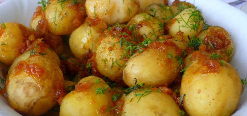 Młode ziemniaczki z cebulą smażoną (autor: parysek10 ...