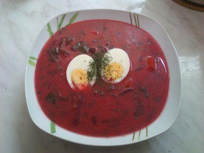 Zupa z botwinki z jajkiem i koperkiem