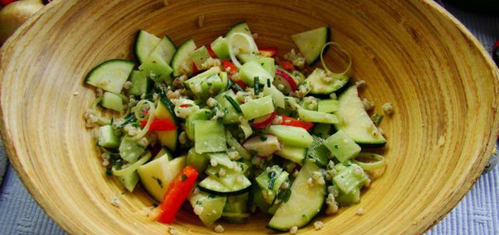 Sałatka warzywna z kaszą (autor: iwa643)