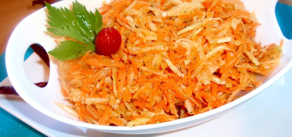 Surówka z marchewki kalarepy i selera (autor: gosia56 ...