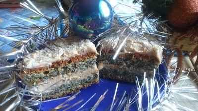 Makowe ciasto bożonarodzeniowe z kremem piernikowym ...