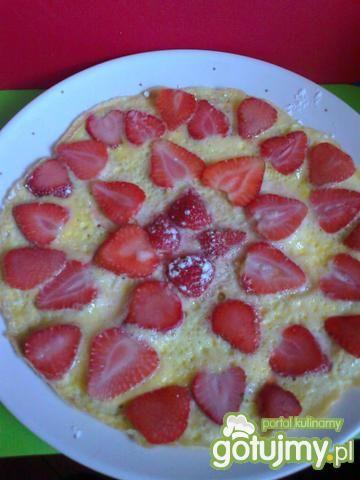 Przepis  omlet ze świeżymi truskawkami przepis
