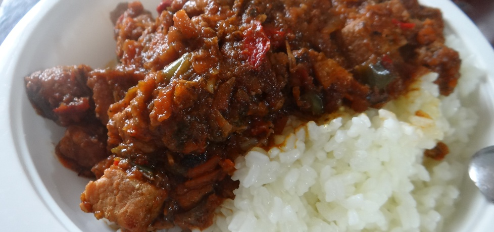 Gulasz z szynki z ryżem. (autor: kasnaj)