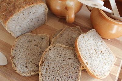 Chleb orkiszowy z kaszą gryczaną na zakwasie