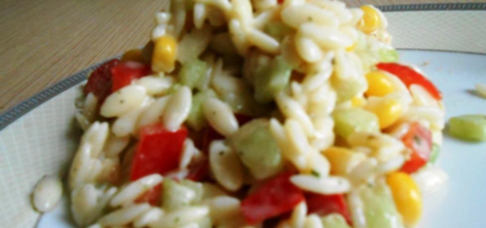 Sałatka z makaronem ryżowym i kurczakiem (autor: sunnymood ...