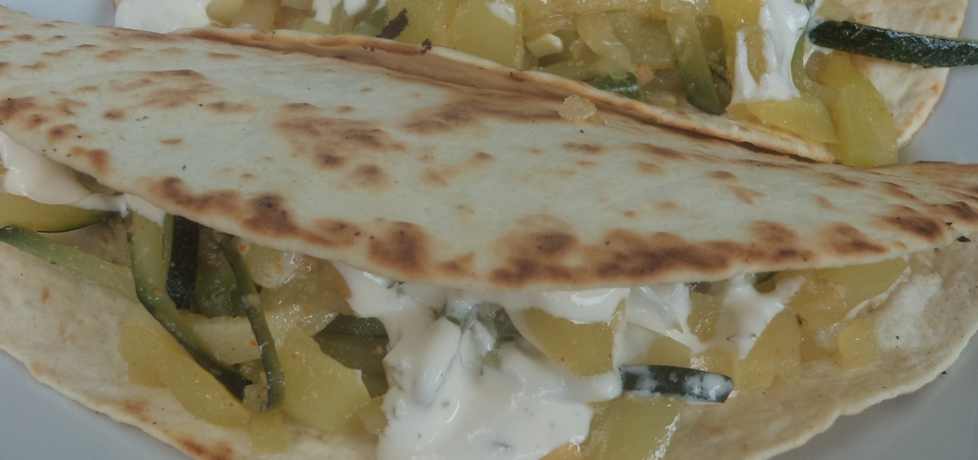 Tortille z cukinią i sosem czosnkowym (autor: smacznab ...