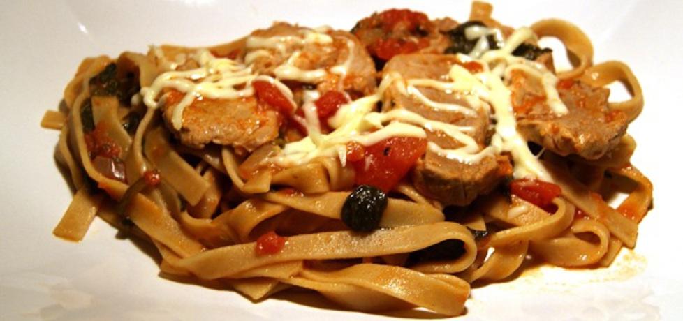 Tagliatelle z polędwiczką, pomidorami i szpinakiem (autor: gotuj