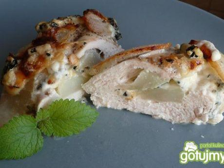 Przepis  mięso z gruszką i serem pleśniowym przepis
