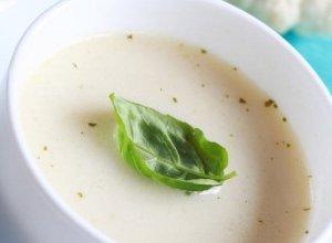 Zupa kalafiorowa z migdałami  prosty przepis i składniki