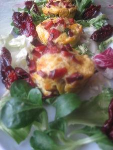 Mini frittata z suszonymi pomidorami i brie z orzechami ...