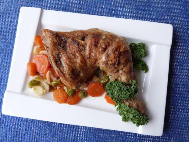 Przepis  udko z kurczaka duszone w warzywach przepis