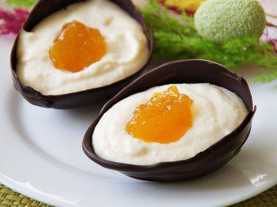 Czekoladowe jajka z mascarpone i konfiturą morelową ...