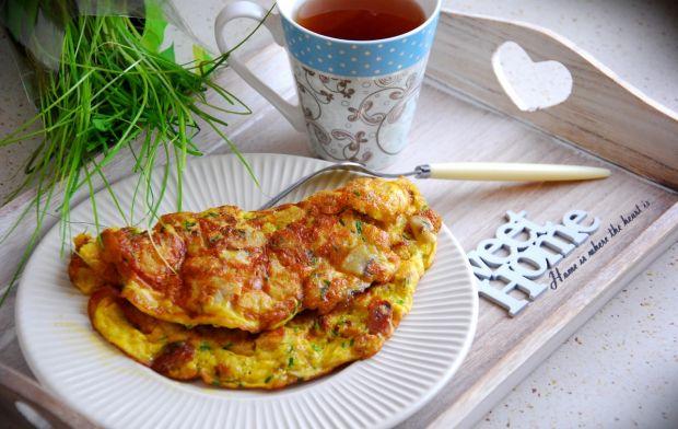 Przepis  omlet z grzankami i żółtym serem przepis