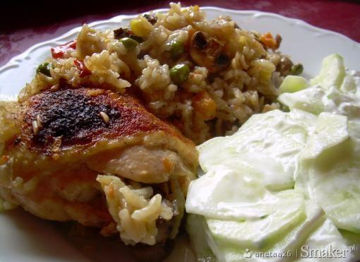 Kurczak zapiekany z ryzem, warzywami i pieczarkami
