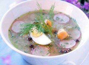 Aromatyczna zupa ogórkowa z koperkiem