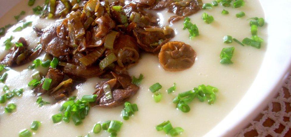Biała zupa krem z łuszczakami (autor: smacznapyza ...