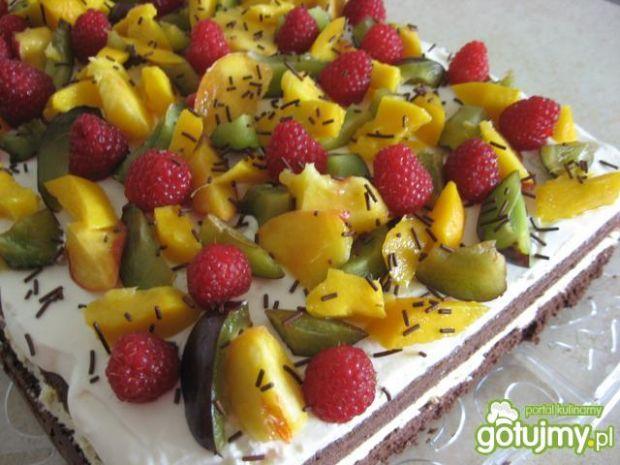 Przepis  tort z owocami i mleczną masą przepis