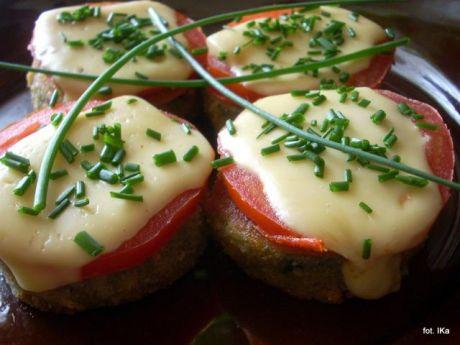Przepis  cukinia smażona z pomidorami i serem przepis