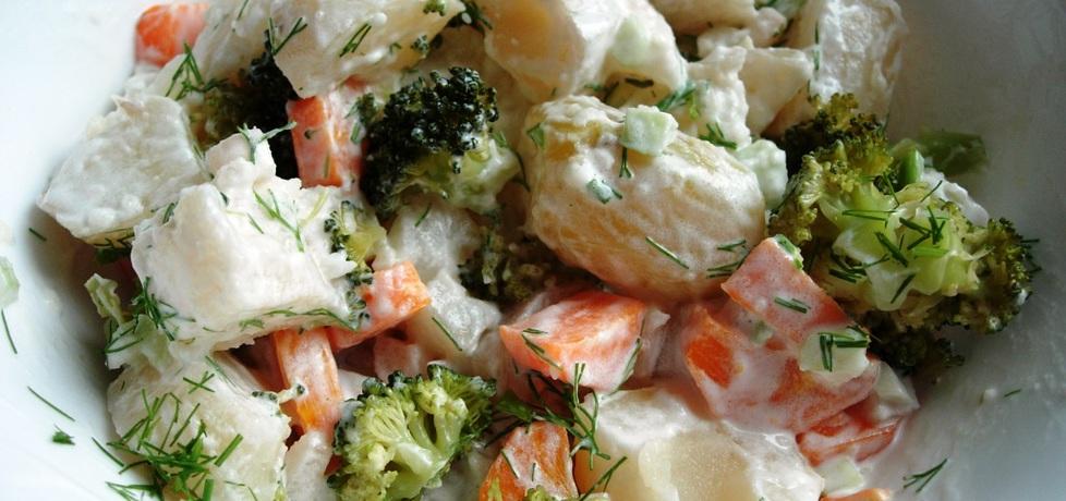 Sałatka warzywna z koperkiem (autor: martynia6)