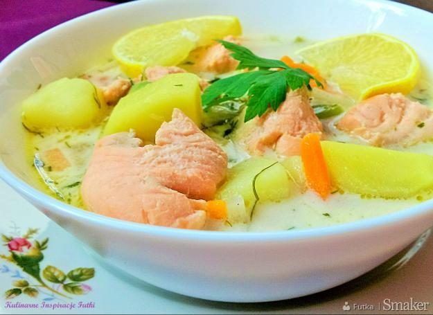 Zupa warzywna z łososiem