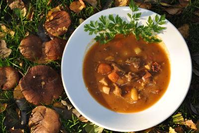 Gulasz wołowy z dynią i z suszonymi pomidorami