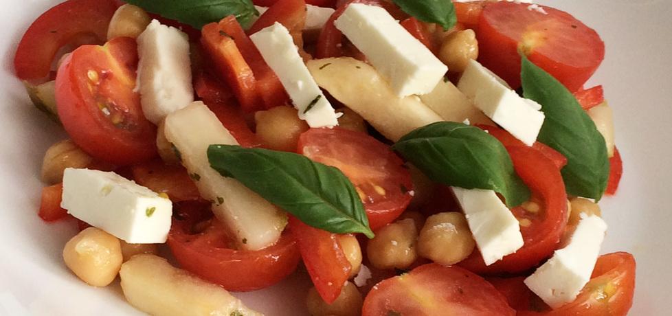 Sałatka z ciecierzycy, pomidorków, gruszki i sera feta (autor: kuchcik ...