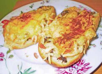 Aromatyczne grzanki z serem i kukurydzą
