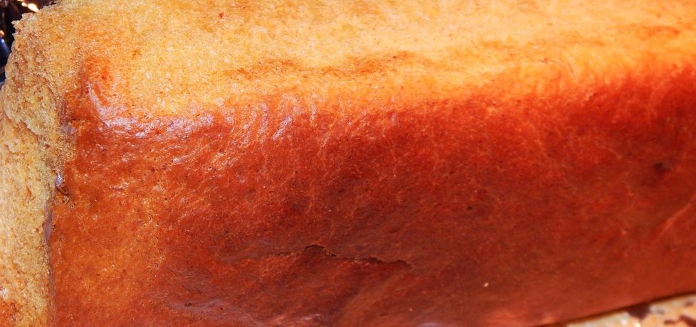 Chlebek drożdżowy z sokiem marchewkowym